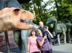 Die mächtigen Dinos bringen Groß und Klein zum Staunen